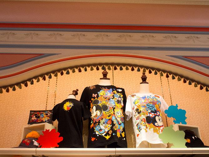 【2018】ディズニーのパークデザイングッズ21選!Tシャツ& キャップ・文房具!キッズ・ベビー向けも!