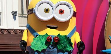 【ミニオン】ボブの特徴は目の色とクマのぬいぐるみ!ティムのぬいぐるみを持ったオッドアイのミニオン