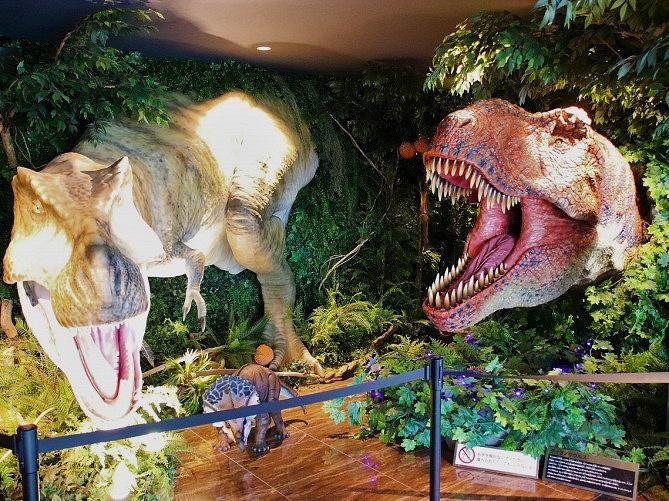 【変なホテル舞浜東京ベイ】恐竜ロボットが接客?!ワクワクを体験できるディズニー周辺ホテル