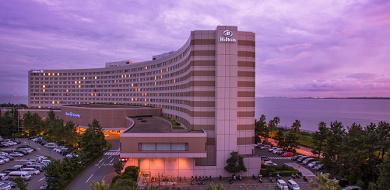 【ヒルトン東京ベイ】インスタ映えするディズニーオフィシャルホテル!デザートブッフェ&ナイトプールも