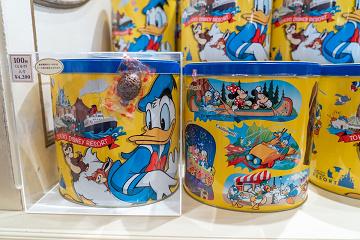 【2020】ディズニーランドの安いお土産15選!お菓子・文房具・コスメ雑貨!コスパがいいグッズ!