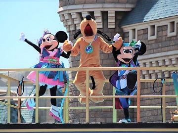 【2018】夏ディズニーの楽しみ方&7月・8月の混雑予想!持ち物と夏休み向けショー&パレードまとめ!