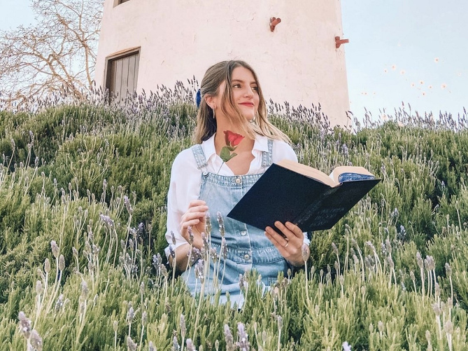 ディズニーのキャラクターコーデ24選!ランド&シーへ行く時の服装の参考にしよう