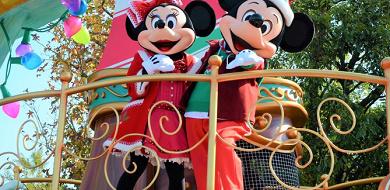 【最新】ディズニー・クリスマス・ストーリーズ2017!ディズニーランドのパレードの時間・停止位置・キャラクター
