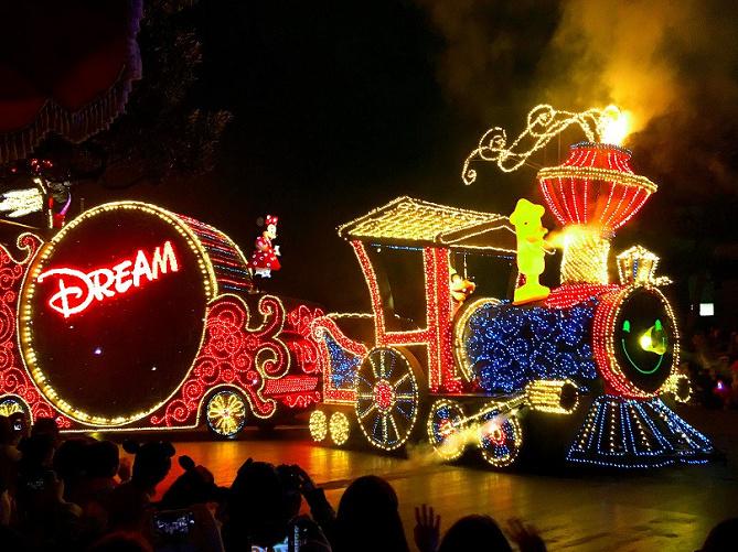 【完全網羅】ディズニーランド&シーのショー&パレード概要 ...