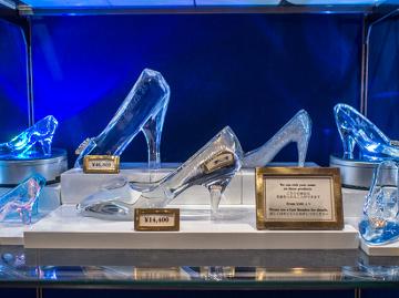 【2020】ディズニーガラスの靴7選!値段&販売場所まとめ!名入れ可でプレゼントにもおすすめ!