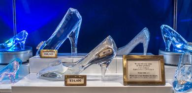 【2021】ディズニーガラスの靴7選!値段&販売場所まとめ!名入れ可でプレゼントにもおすすめ!