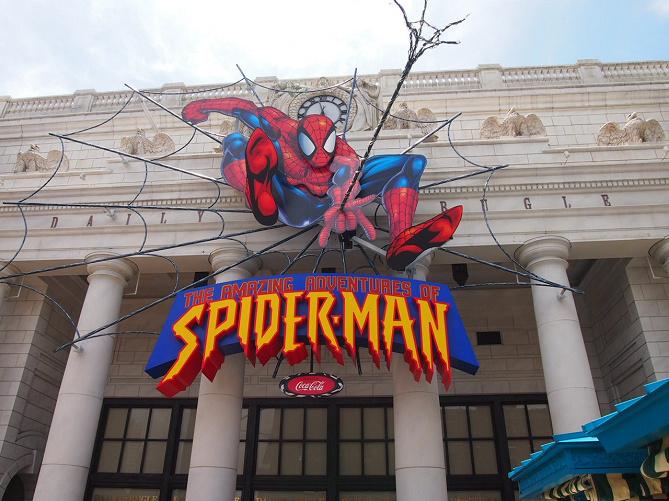 【USJ】スパイダーマンのアトラクションは怖い?待ち時間短縮・乗り物酔い・写真撮影方法など
