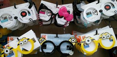 ユニバのアトラクションはメガネOK?乗車時のルールや注意点、メガネ落下対策もご紹介