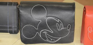 【特集】ディズニーのお財布&コインケース!パークとディズニーストアのグッズが集合!