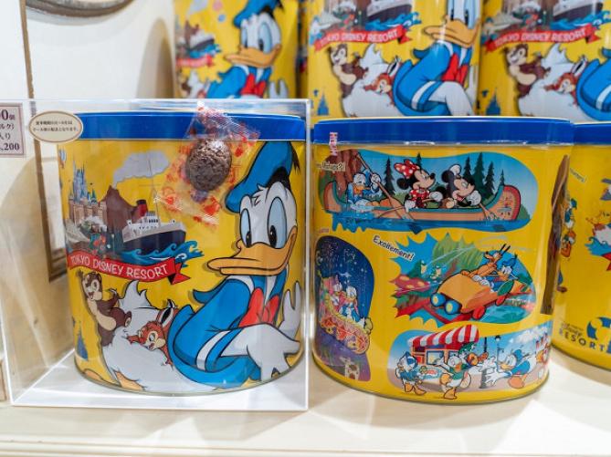 【2019】ディズニーランドのお土産お菓子まとめ!チョコクランチ&クッキーが人気!販売場所や値段も!