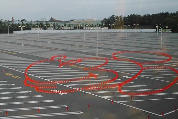 ディズニーの駐車場料金を解説!割引はある?基本料金、お得な裏ワザ、渋滞回避、車中泊情報まとめ