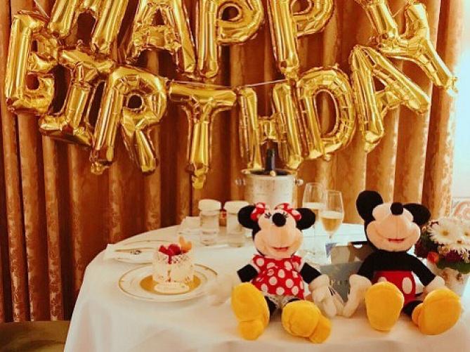 【2019最新】ディズニーランドで過ごす誕生日!特典&特別グッズまとめ!おすすめレストランも!