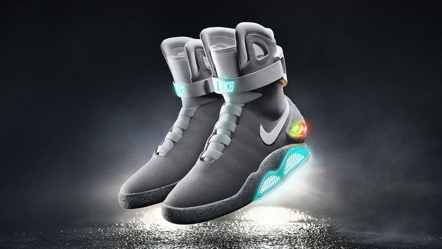 【バック・トゥ・ザ・フューチャーの靴】自動で靴ひもを結んでくれる!未来のナイキシューズを紹介!