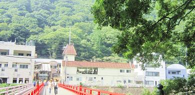 箱根のおすすめ観光スポット17選!美術館・足湯カフェ・老舗ホテルなどのみどころをエリア別に解説