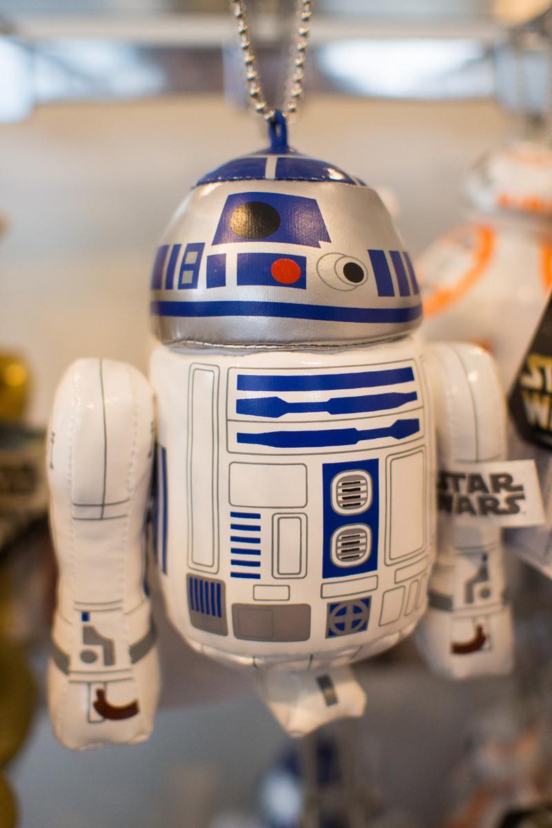 R2-D2ぬいぐるみバッジ