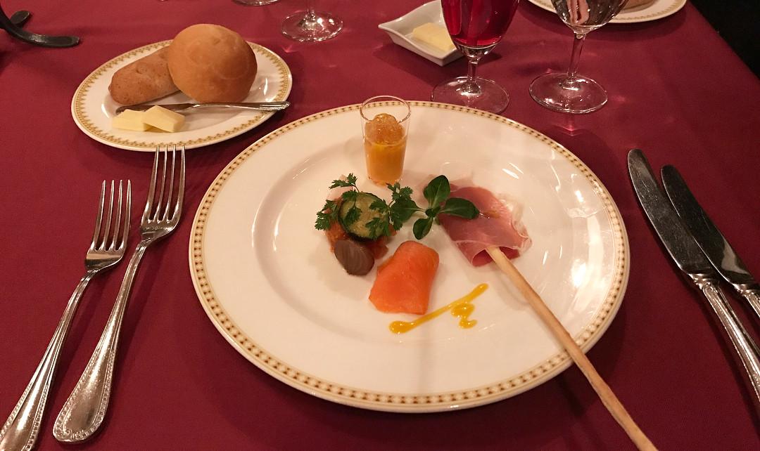 高級レストラン・マゼランズのランチコース『ノーススター』