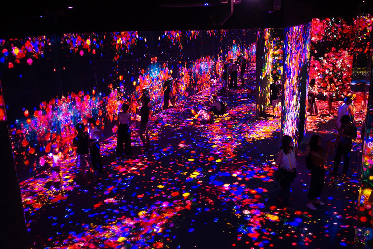 チームラボ ボーダレスお台場の幻想的な空間