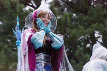 目的別で楽しもう☆雨の日のディズニーランドを親子で楽しむ方法