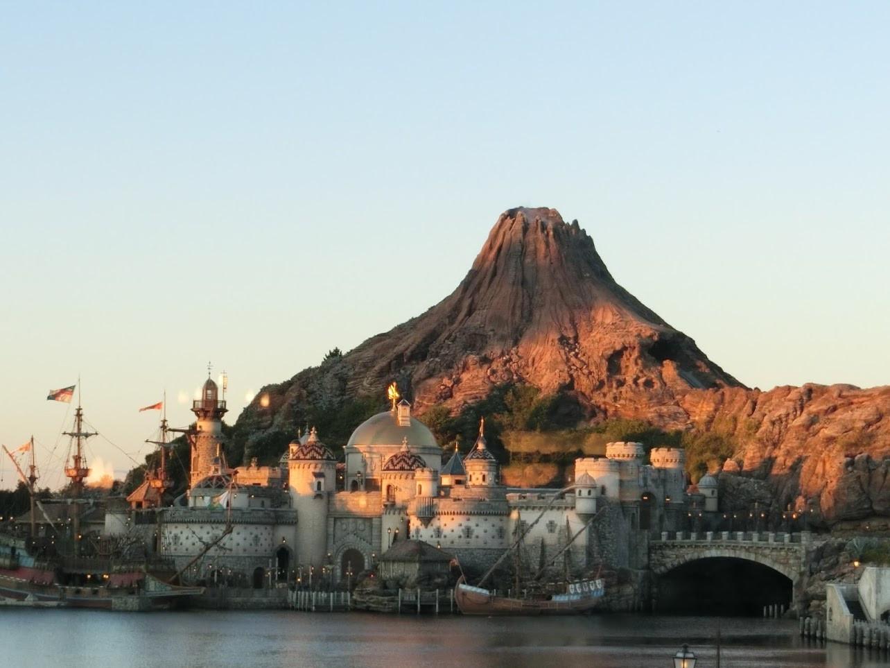 【プロメテウス火山】噴火にミッキーが?仕組みや構造、モデルは?ディズニーシーの火山