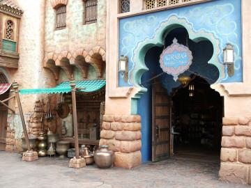 ディズニーのアラジングッズ61選!ジャスミンやジーニーの人気お土産をまとめて紹介