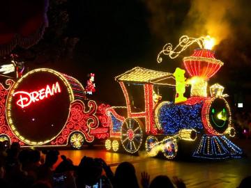 【完全網羅】ディズニーランド&シーのショー&パレード概要・時間・おすすめ観賞場所
