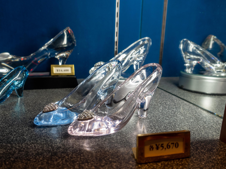 【2019】ディズニーのガラスグッズ31選!ガラスの靴・グラス・雑貨等おそろい&ペア・名入れグッズ