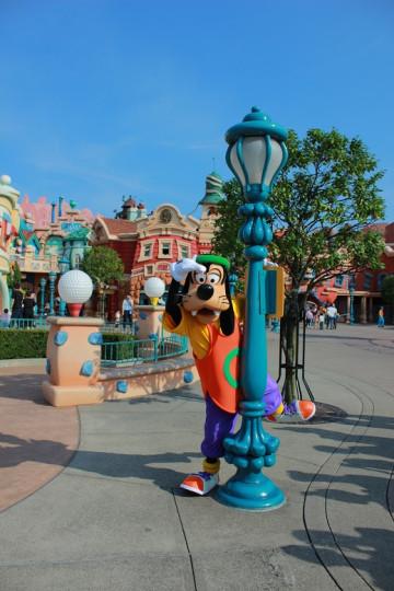 ディズニー犬キャラクター「グーフィー」マックスの父!誕生日やプルートとの違いは?