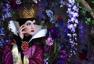 【白雪姫の魔女】名前の秘密&グリム童話の違いまとめ!グッズやディズニーで会える場所も!