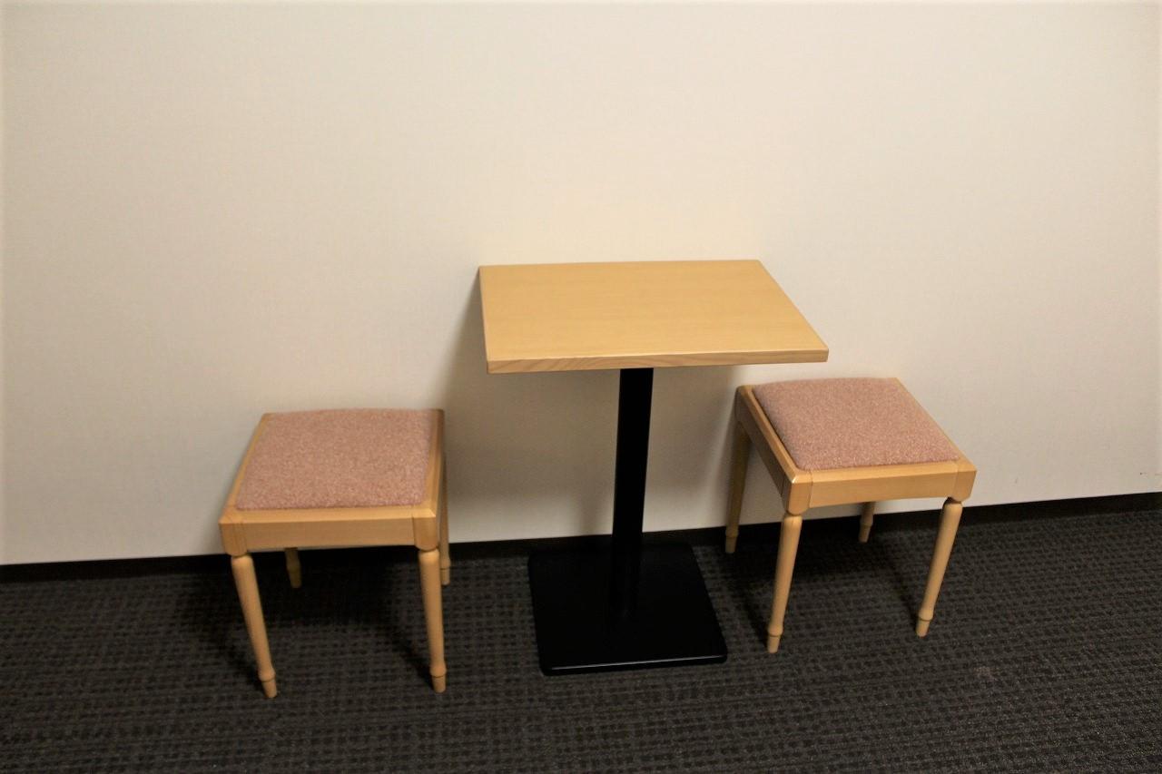 2人がけのテーブルセット