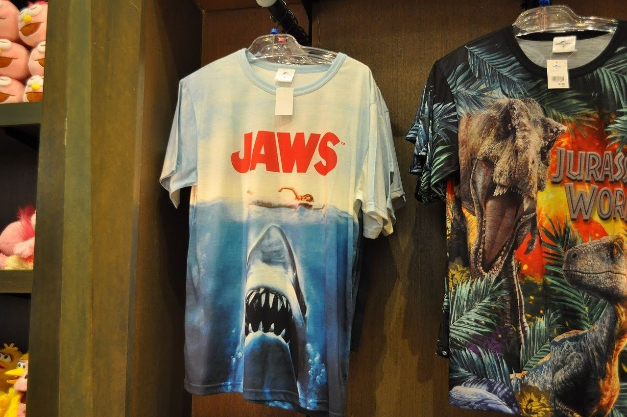 USJのジョーズTシャツ