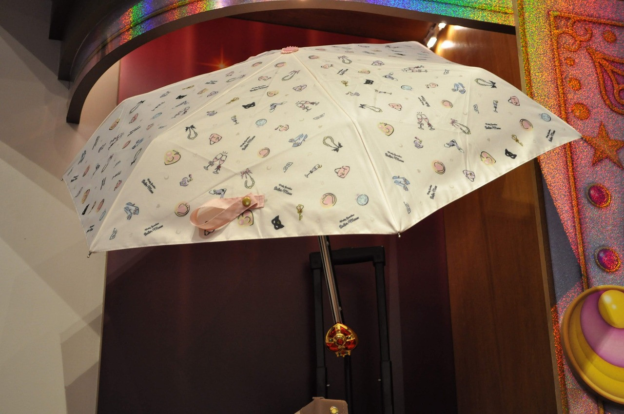 ユニバーサルクールジャパン2019で販売中のセーラームーン日傘