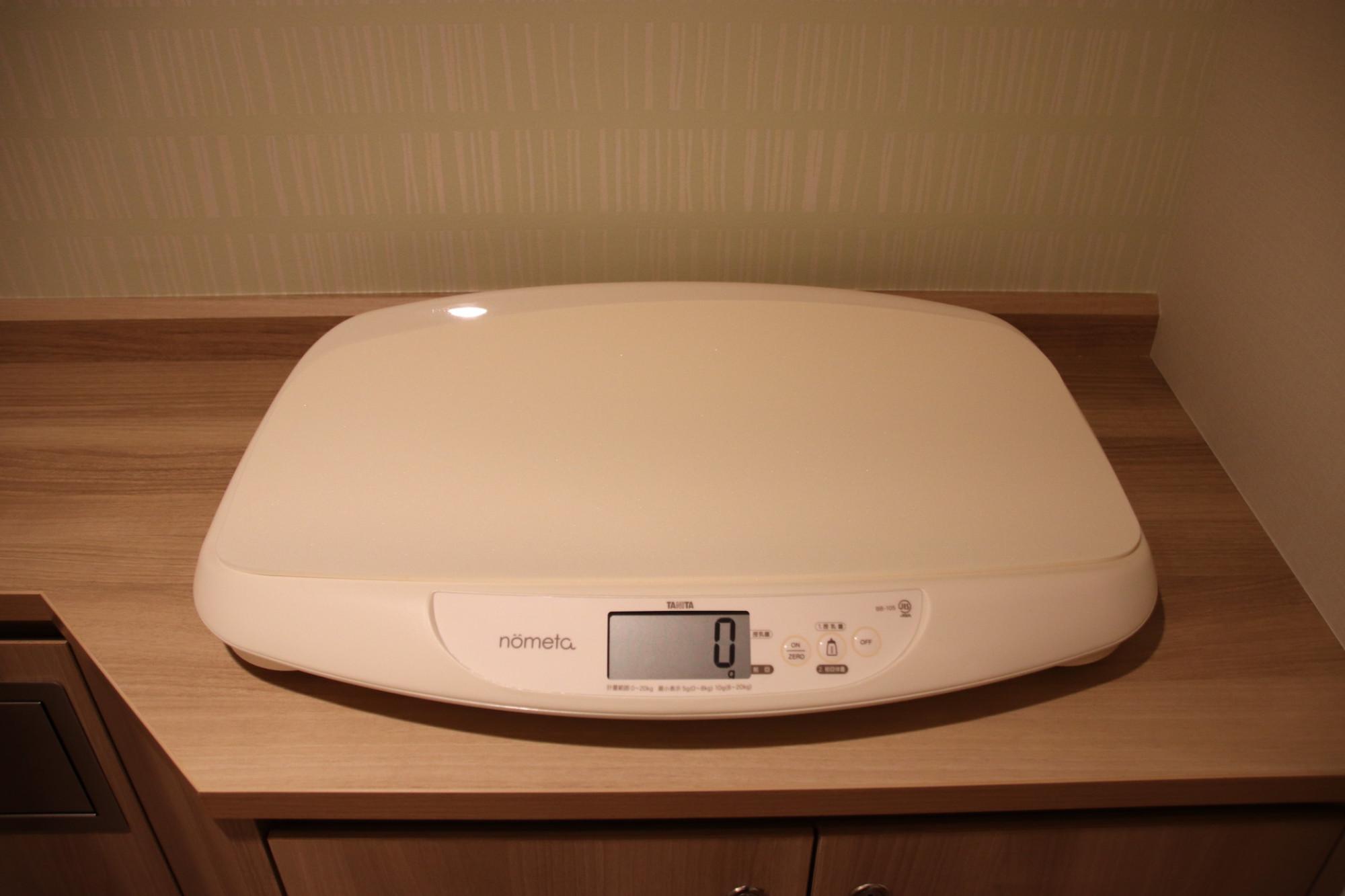 赤ちゃん用の体重計