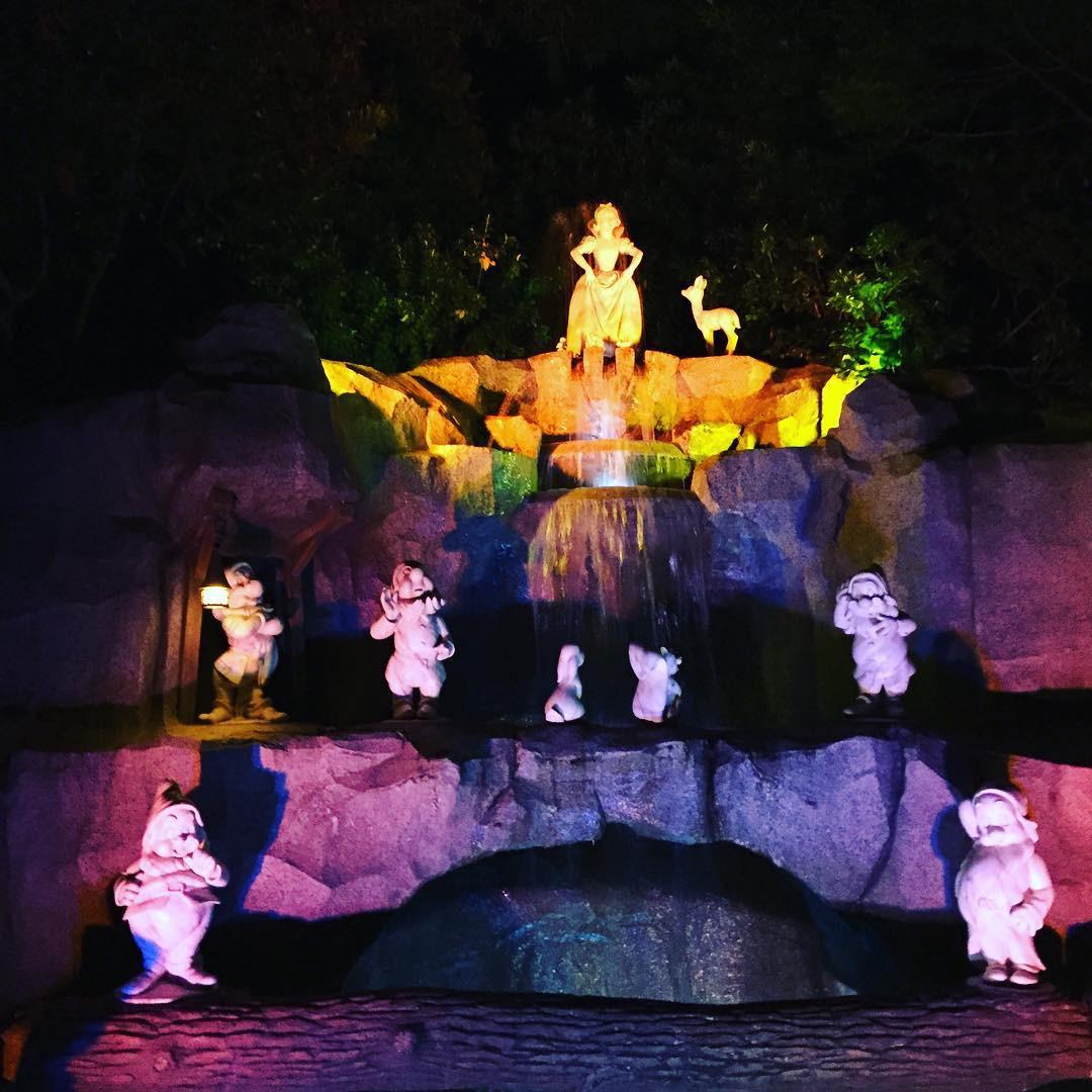 白雪姫と7人の小人のオブジェ