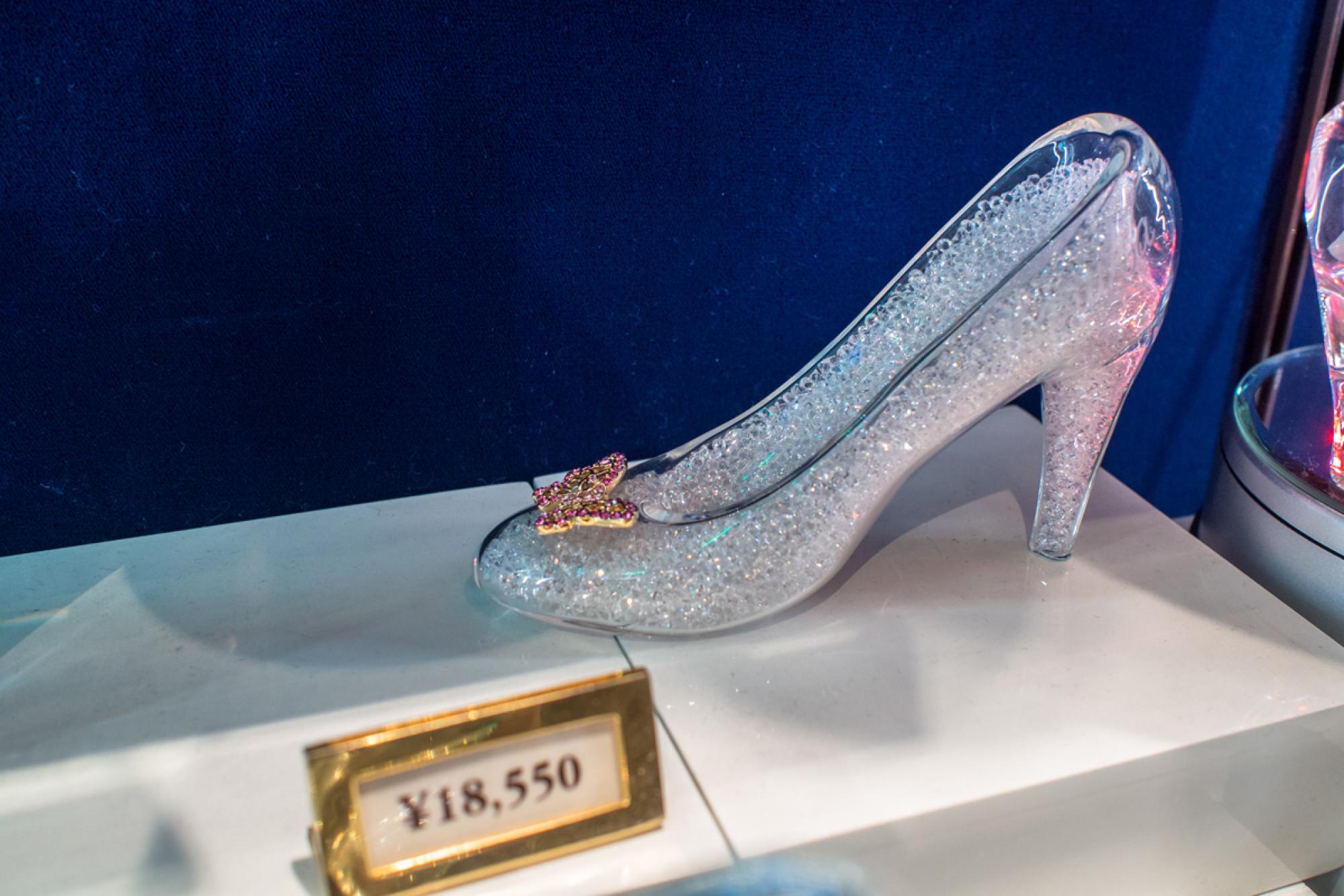 ガラスの靴(蝶付き)