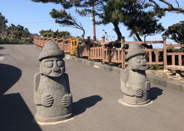 韓国のハワイ「チェジュ島」ってこんなところ!ご当地グルメ、大自然の観光スポット、カフェを紹介♪