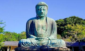 【高徳院】鎌倉の大仏の見どころを解説!参拝料・アクセス・営業時間のほか、謎の歴史や大仏スイーツも!