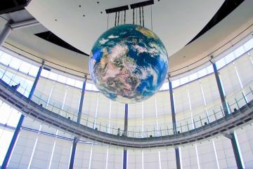 【お台場】日本科学未来館で宇宙体験!科学を楽しく学べる体験ブースやAI展示を紹介